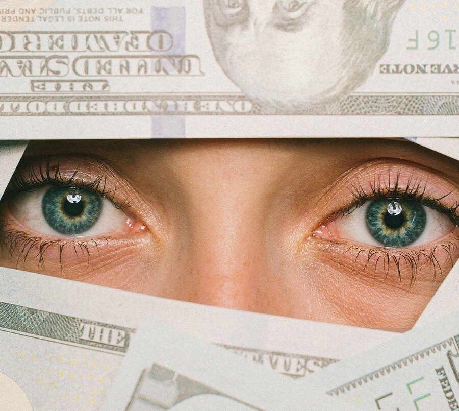 millennials-save-money-live-frugally-face